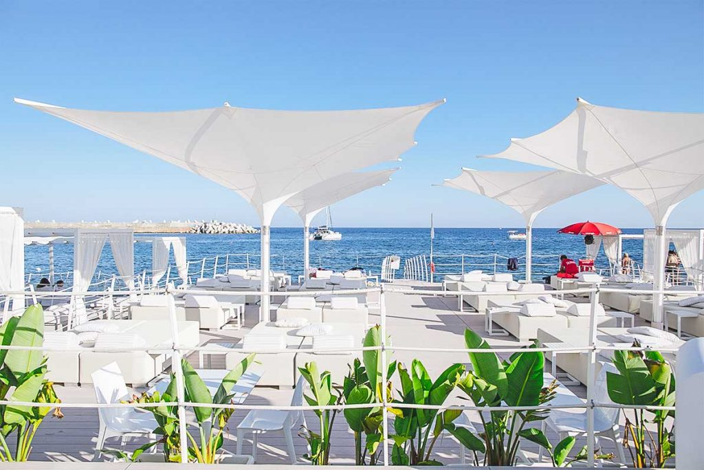 Blanc-Home-BeachClub1